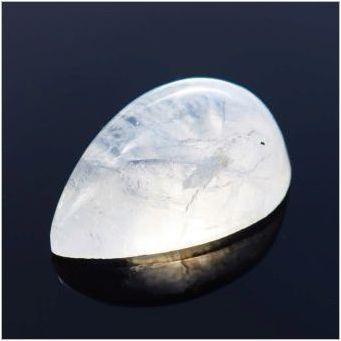 Как да разграничим естествения лунен камък?