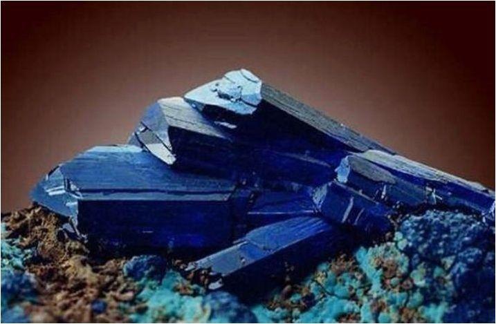 Видове сини камъни и тяхното използване