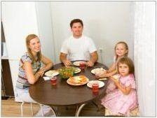 Кръгли плъзгащи маси в кухнята: Характеристики и съвети при избора