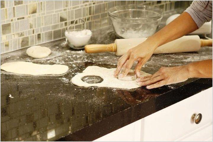 Кухненски плотове от изкуствен камък: видове и селекция