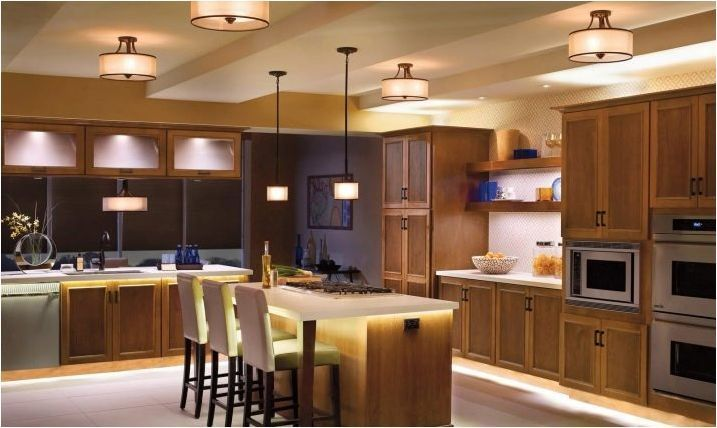 Опции за осветление в кухнята