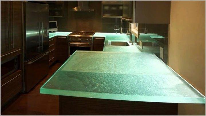 Покритие за кухненската маса: сортове и препоръки за избор