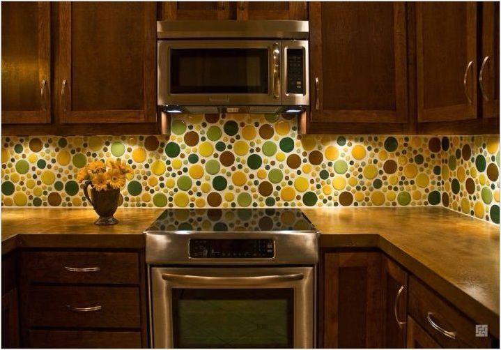 Размерите на престилки в кухнята: какво се случва и как да се изчисли?