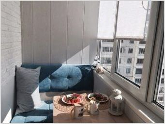 Сгънати маси на балкона: разновидности, съвети и монтаж на селекция