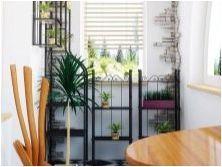 Стелажи на балкона: разновидности, подбор и съвети за местоположение