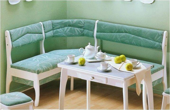 Тесни дивани за кухнята: видове и съвети при избора