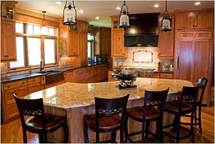 Трапезни маси за кухнята: различни опции и съвети за избор