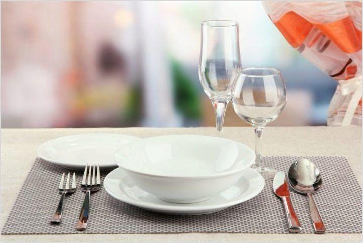 Правила на етикета на таблицата: норми за поведение и настройка