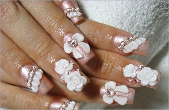 Идеи за сватбени дизайнерски маникюр за екстензивни нокти