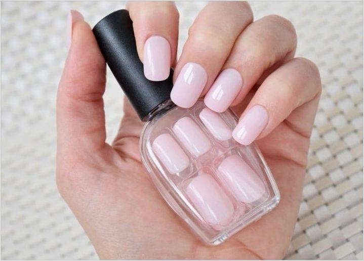Как да залепите и премахнете фалшивите нокти?