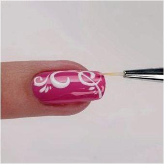 Създаване на монограми на ноктите: стъпка на инструкцията и полезни препоръки
