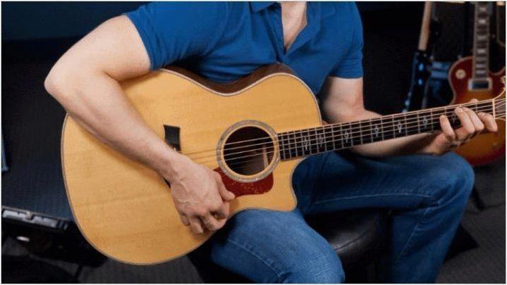 Акустична китара игра