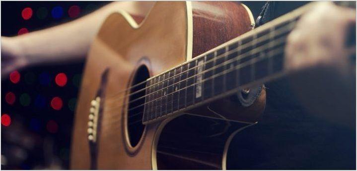 Защо струните на китарните дрънки и как да елиминират проблема?