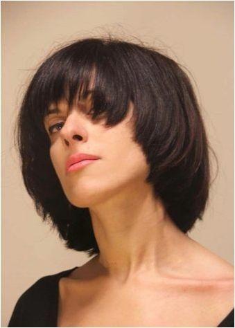 Подстригване под раменете: видове и характеристики на избор