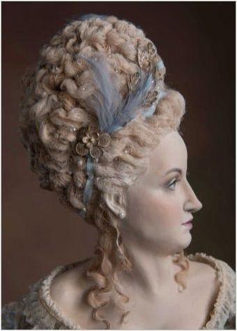 Прически на XVIII век: Кой отива и как да ги направи?