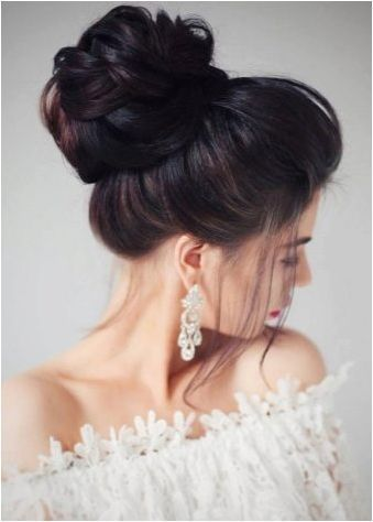 Събрани прически за дълга коса: селекция, създаване, декорация