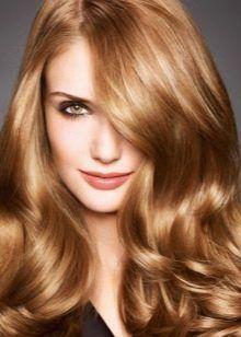 Златна руса: Кой е цветът на косата и как да го получи?