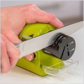 Как да изострят ножове с острилка за нож?
