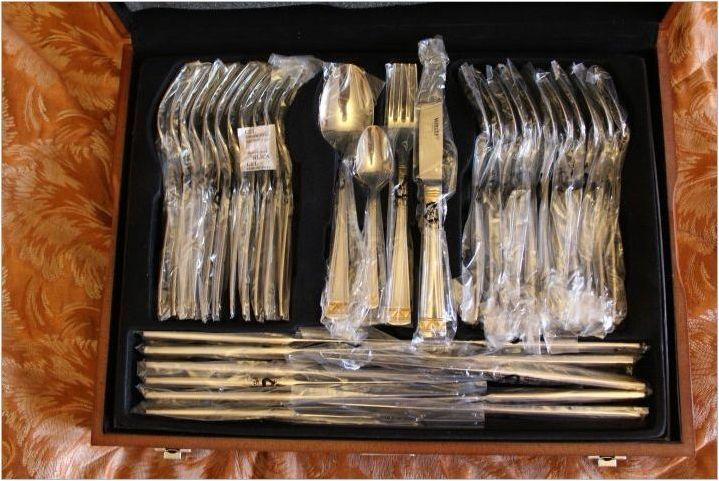 Комплекти от прибори за хранене със 72 обекта