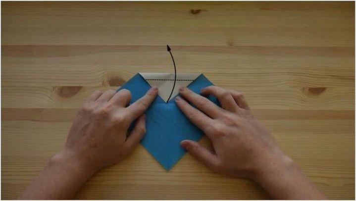 Как да направите оригами под формата на параход?