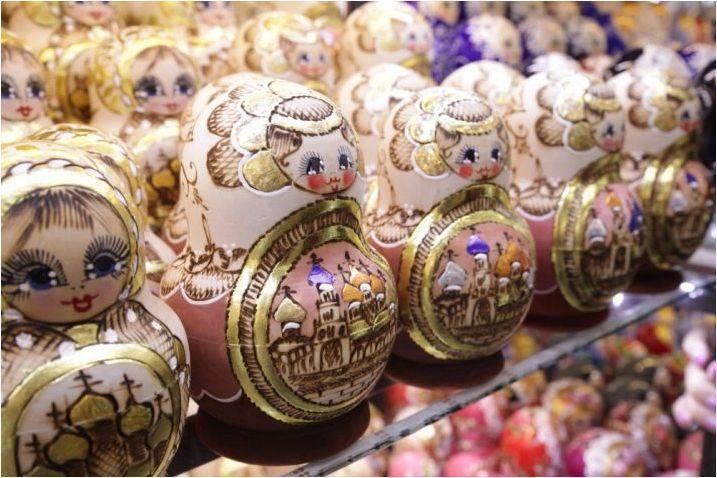 Сувенири от Русия: Какво да донесе на подаръка за чужденци?