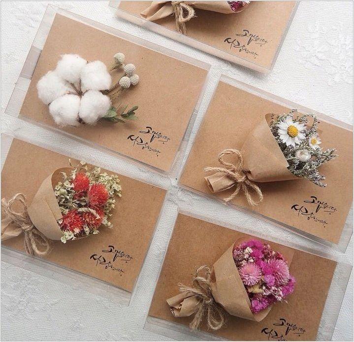 Правене на пощенски картички със собствените си ръце