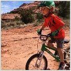 Детски велосипедни каски: функции, препоръки за избор