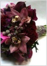 Бургундски букет за булката: характеристики на избора на цветове и идеята за проектиране на състава