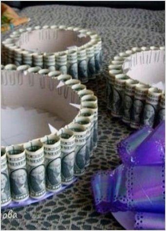 Как да си направим торта от пари за сватба със собствените си ръце?