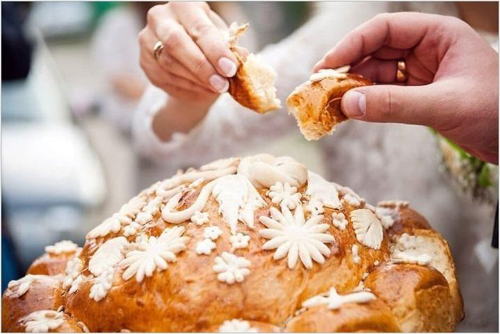 Който прави и запази хляб на сватбата?