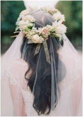 Сватбени прически с воал на дълга коса: разнообразие от опции и примери за тяхното изпълнение