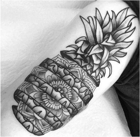 Татуировка на ананас