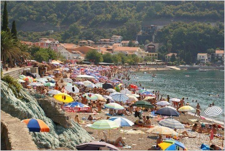 Плаж Бийчди в Черна гора