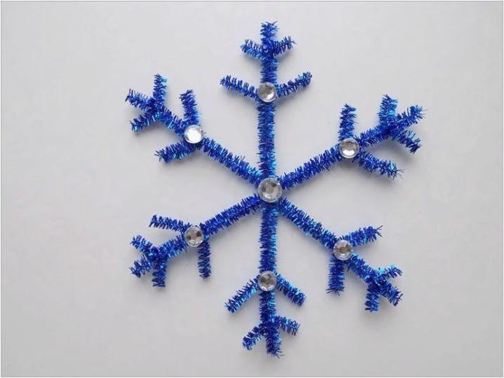 Как да направим красиви снежинки от тел?