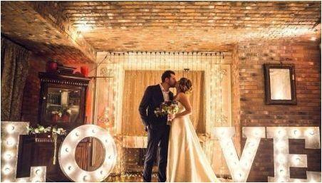 Сватба в стил & # 171 + loft & # 187 +: характеристики на дизайна и съветите за задържане